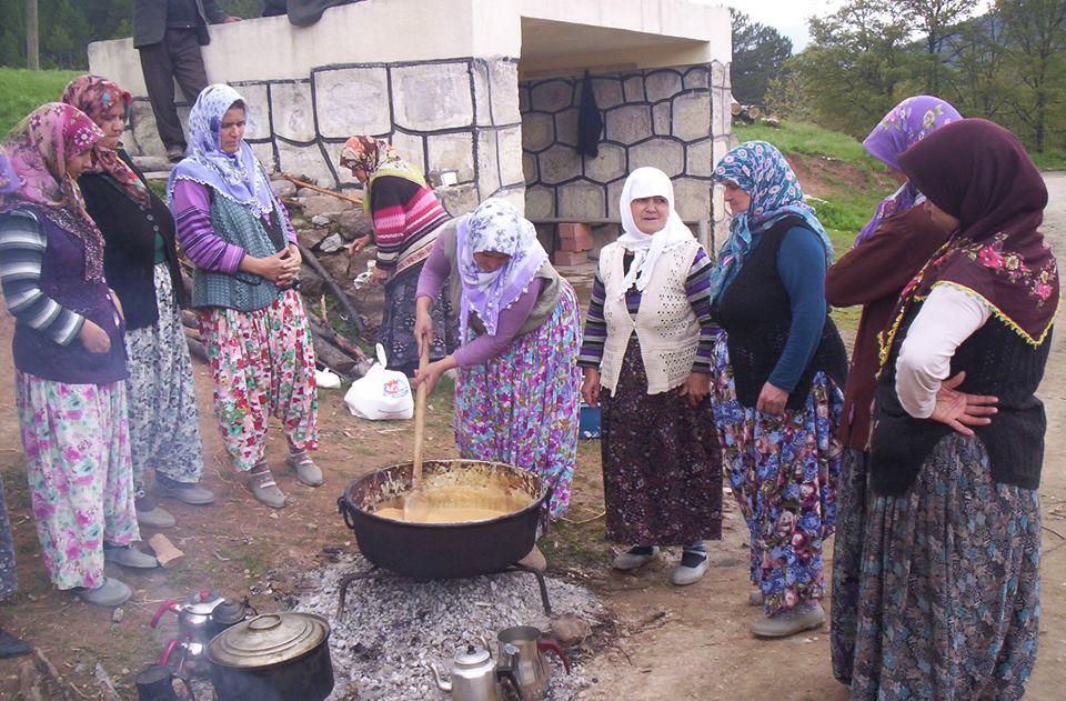 Kürendere Köyümüzde Mayıs ayıyla beraber başlanan Hıdırellez Etkinlikleri (Fotoğraf: ?)